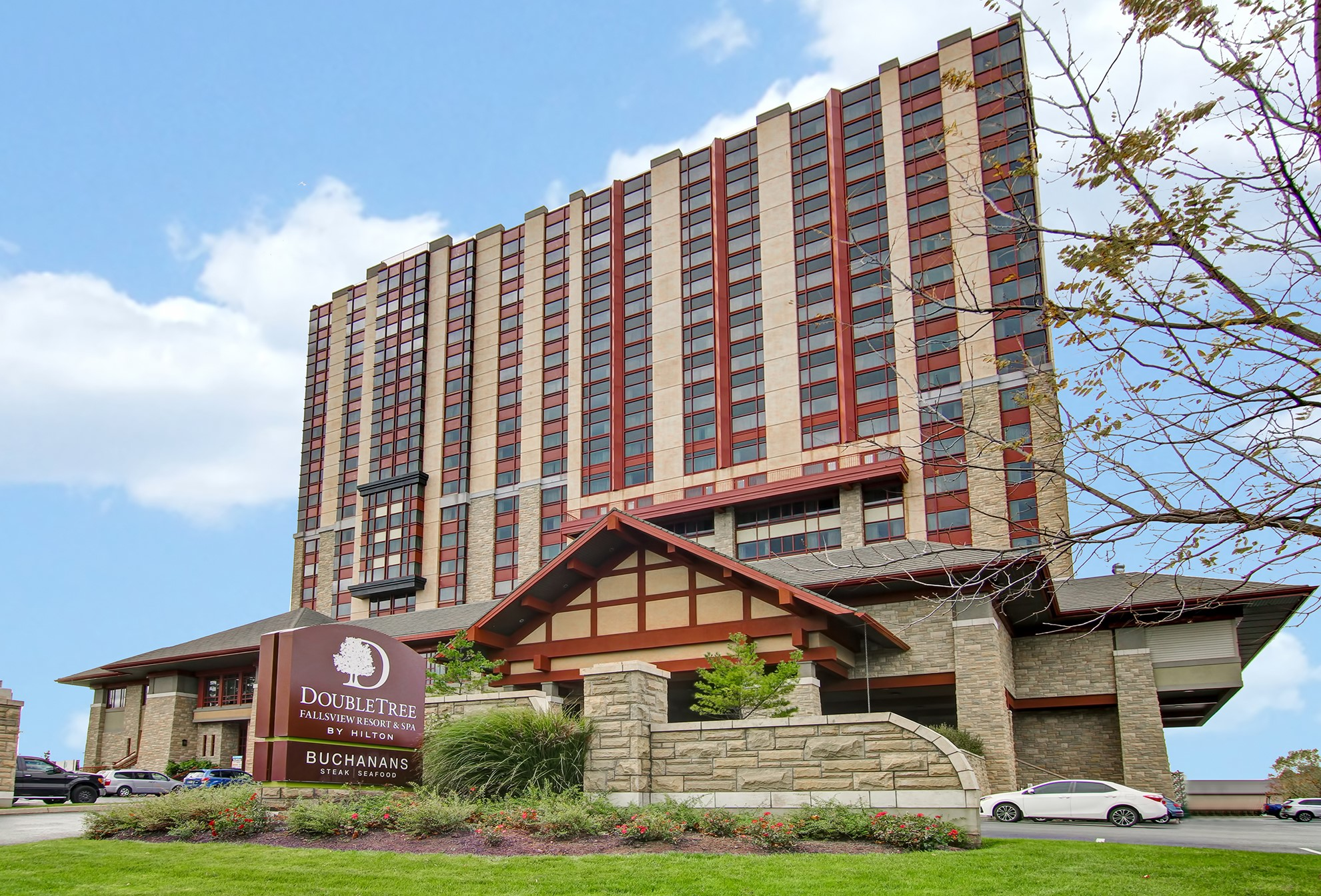 DOUBLETREE FALLSVIEW RESORT