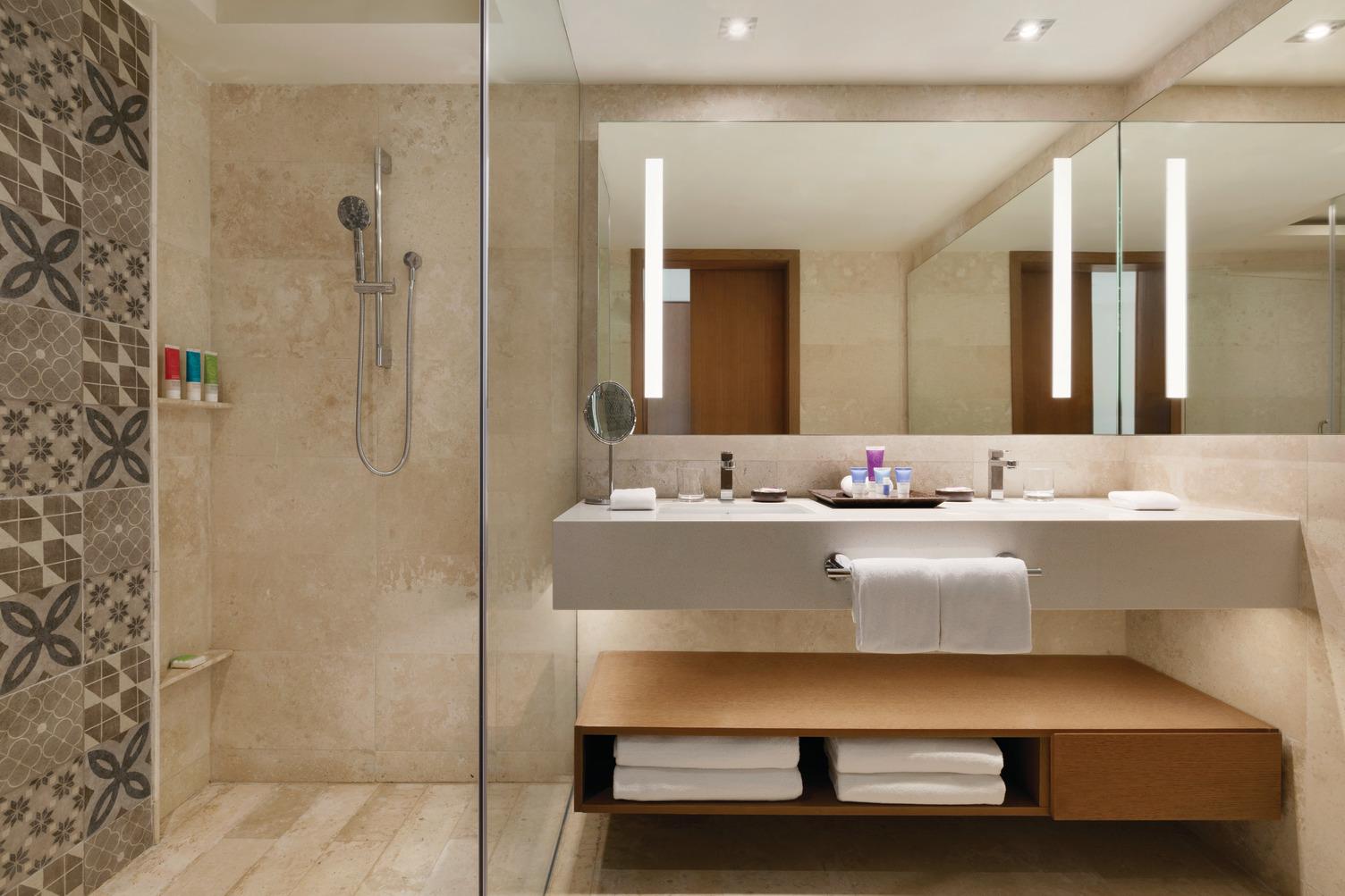 Ocean-View-Double-Bathroom